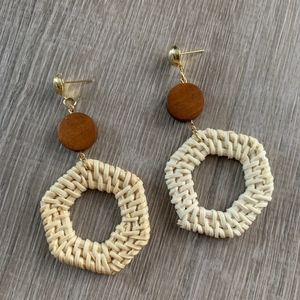 NWT WICKER / RATTAN EARRINGS - Hexagon